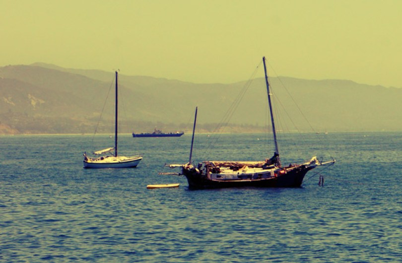 santa-barbara-pier-boat
