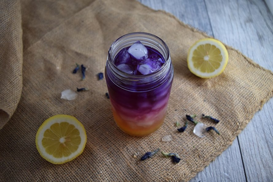 How to Make Butterfly Pea Ombré Lemonade