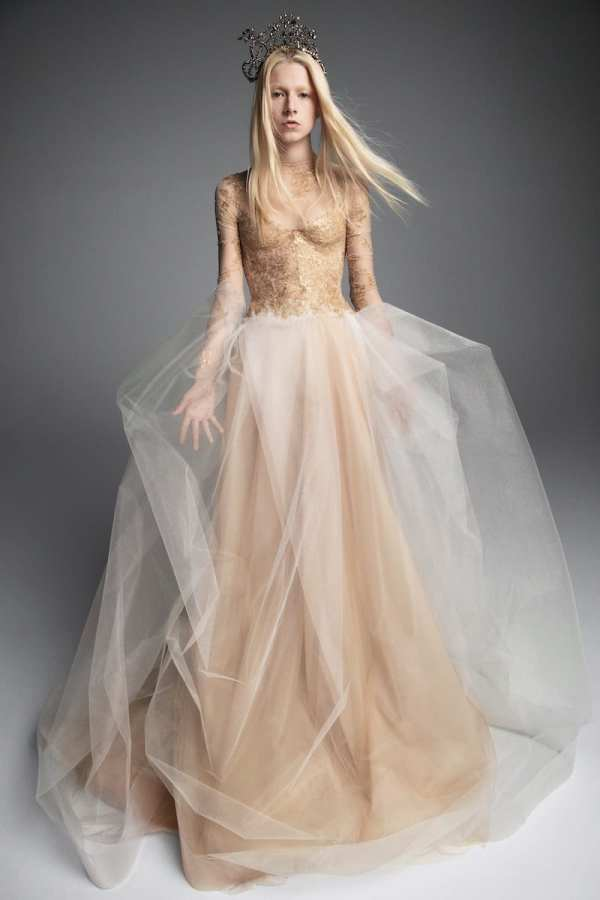VERA-WANG-FALL-2019-BRIDAL-COLLECTION-1 millemariages.com et Mille Mariages Magazine - France