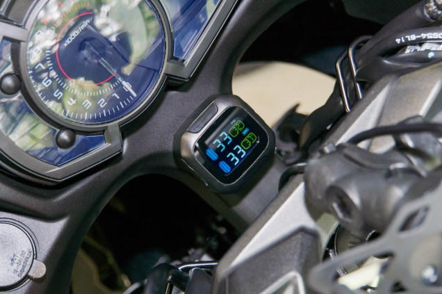 There's no substitute for TPMS to keep an eye on tire pressure while riding.