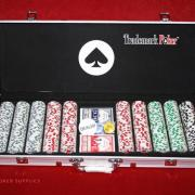 trademark_poker_chip_set_140-1_grande