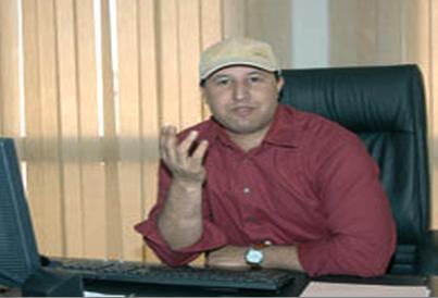 Al Massae: rachid nini dans son bureau