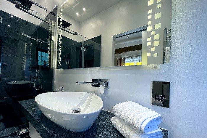 en-suite-with-walk-in-shower