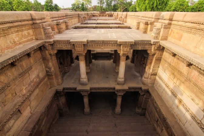 Roof level of the stepped well at Adalaj