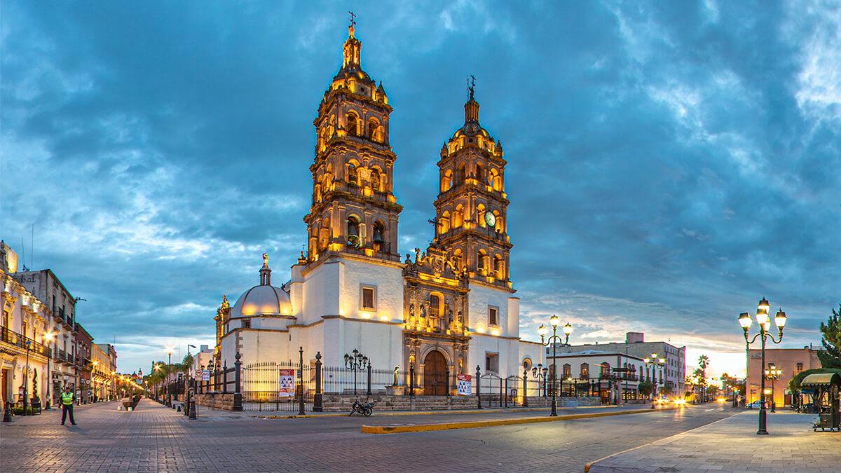 Catedral de Durango al amanecer