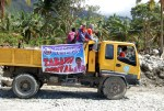 A delegation from local government of unit Pikit, North Cotabato arrives in Barangay Andap, New Bataan, Compostela Valley on December 19. Mindanews Photo by Gigi Bueno
