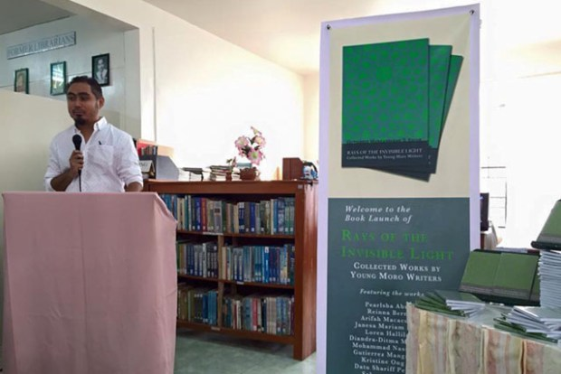 "Gutierrez ""Teng"" Mangansakan II, editor of ""Rays of the Invisible Light: Collected Works by Young Moro Writers,"" at the book launch on 14 Sept. 2015 at the ARMM Regional Library in Cotabato City. Photo courtesy of Loren Hallilah Lao"