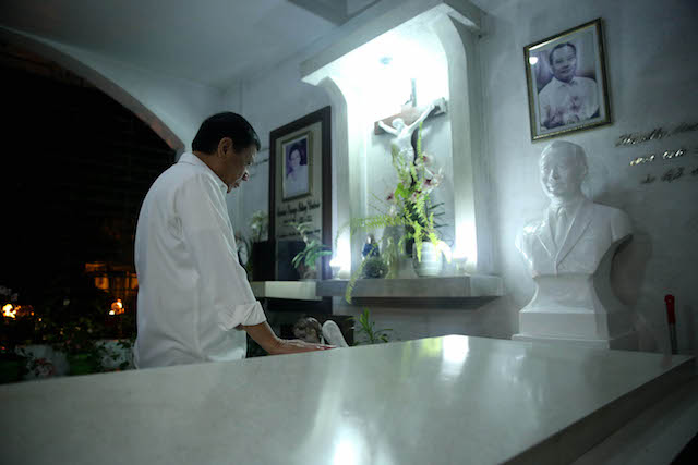 PRRD Visits his parents' graves a day after Nanay Soling's birthday
