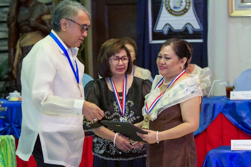 Search on for Datu Bago awardees