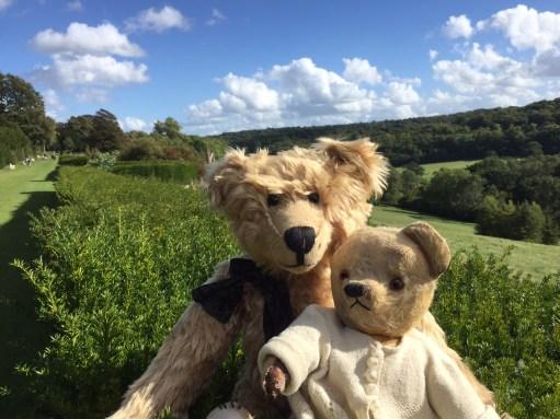 Bertie & Toffer Chatting