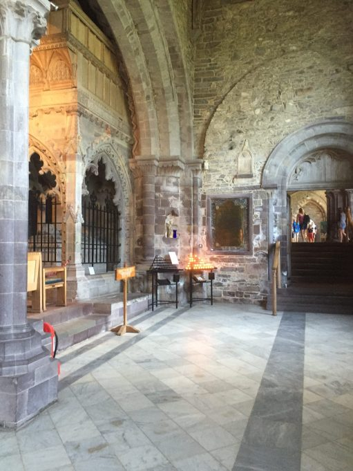 A Tale of Two Cities: Lighting a Candle for Diddley in St David's Cathedral