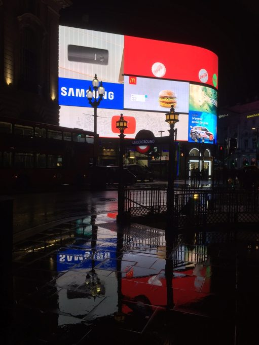 Piccadilly Circus: Christmas.