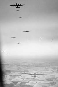 Ernie's War: Airborne crossing IWM CL2231.