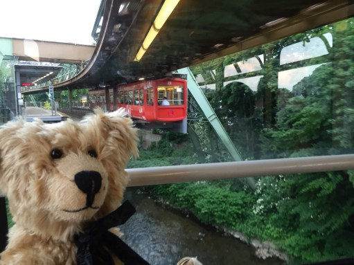 Teddy Bears' Picnic: Wuppertal Schwebebahn... upside down railway!