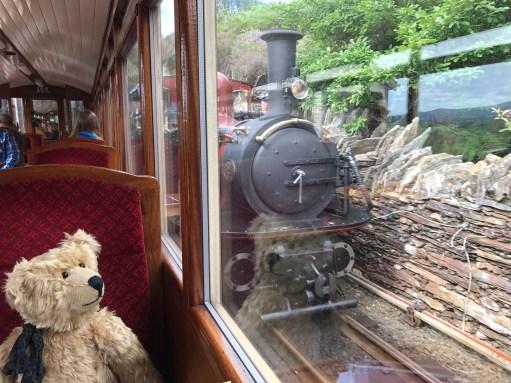 Great Little Trains of Wales: Ddaullt.