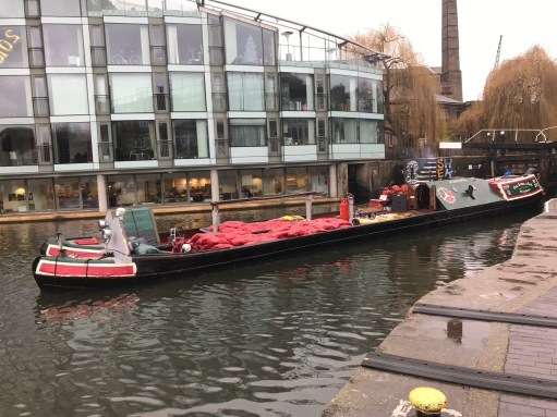 Bobby's Girl: A coal delivery narrow boat.