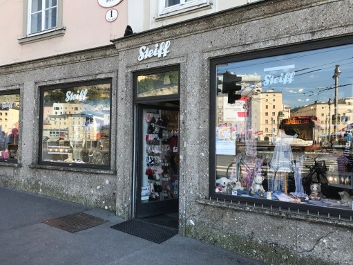 Salzburg: Steiff Shop.