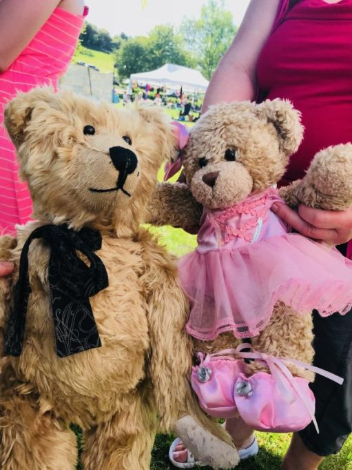 "Teddy Bears' Picnic: ""Ooohhh... I like you. What are you doing later?"" ""Ballet."""