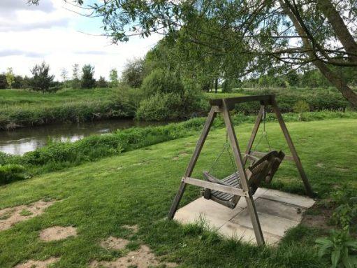 Halcyon Days: Swingchair.