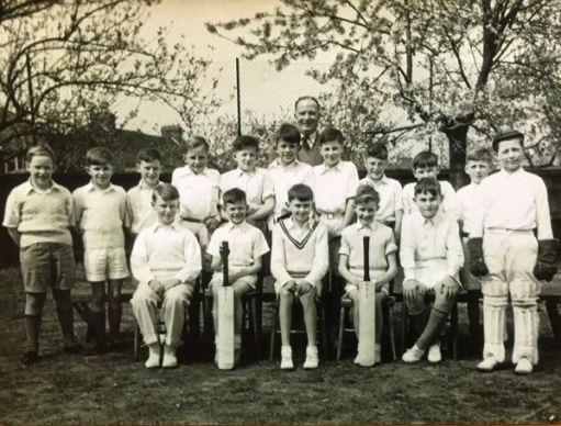 I Woz There: Cheam Park Farm Juniors Cricket team. Bobby tallest in the middle of the back row just in front of Mr Thumwood.