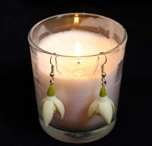 Cotswold Reverie: Lightin a Candle to Diddley - She loved snowdrops and she loved these earrings.