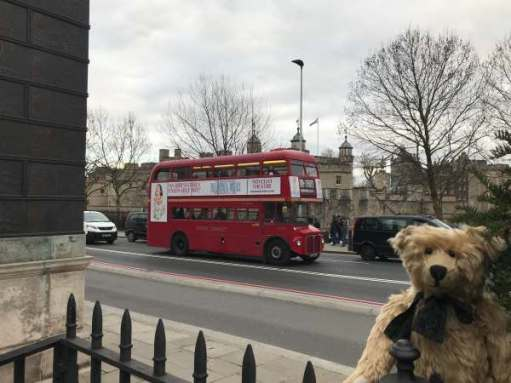 Routemaster: Tower of London - heading back!