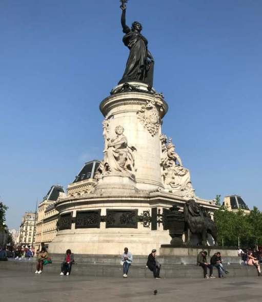 April in Paris: Marianne.