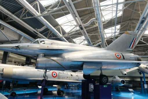 April in Paris: Nord Griffon - 02. Once again, the French were keen on testing Ramjet feasibility. It did reach 1,450mph, but proved to have severe technical difficulties. Once again, the experiment was abandoned in favour of developing more conventional aircraft.