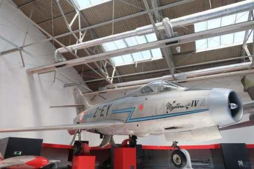 April in Paris: Dassault Mystere IV.