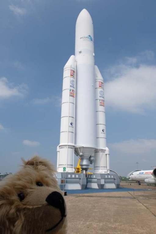 April in Paris: Ariane 5 (model).