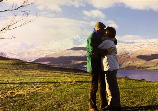 Bobby & Diddley sharing a kiss in the Scottish Mountains.