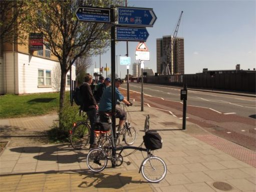 April 2012. Thames Cycle Route.