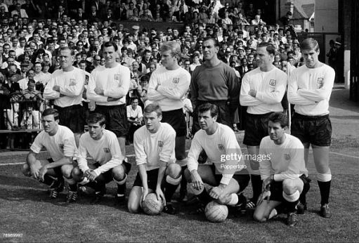 Black and White photo of the Fulham team.