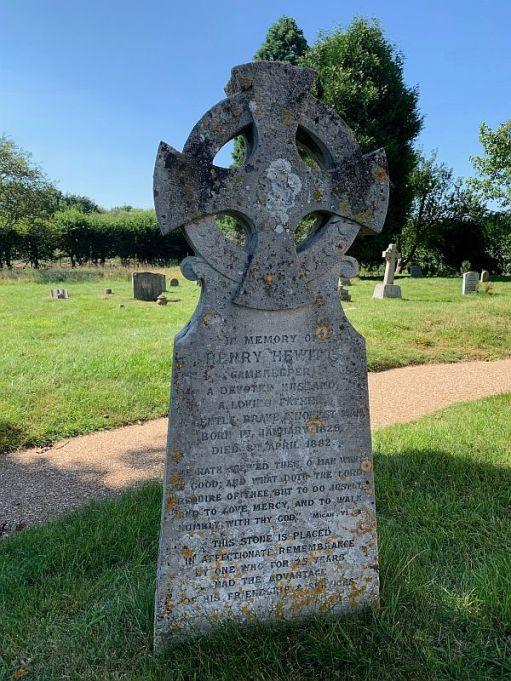 Gravestone for Henry Hewitt.