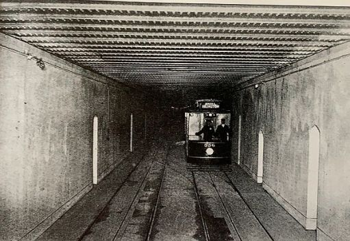 A single deck tram in Kingsway Tram Tunnel, showing the workers' refuges.