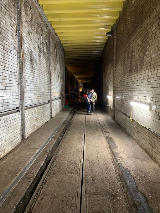Single track section in Kingsway Tram Tunnel.