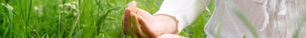 women grass meditating (1)