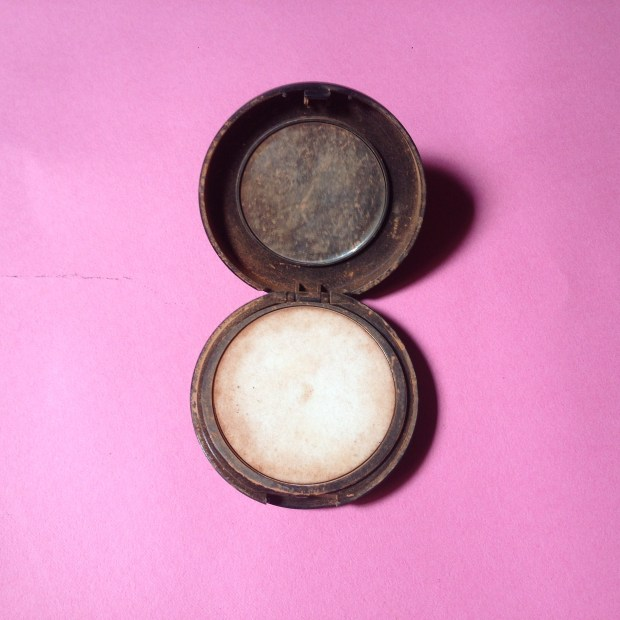 mind of amaka, classic makeup USA, classic makeup powder, nigerian beauty brands, beginner beauty nigeria