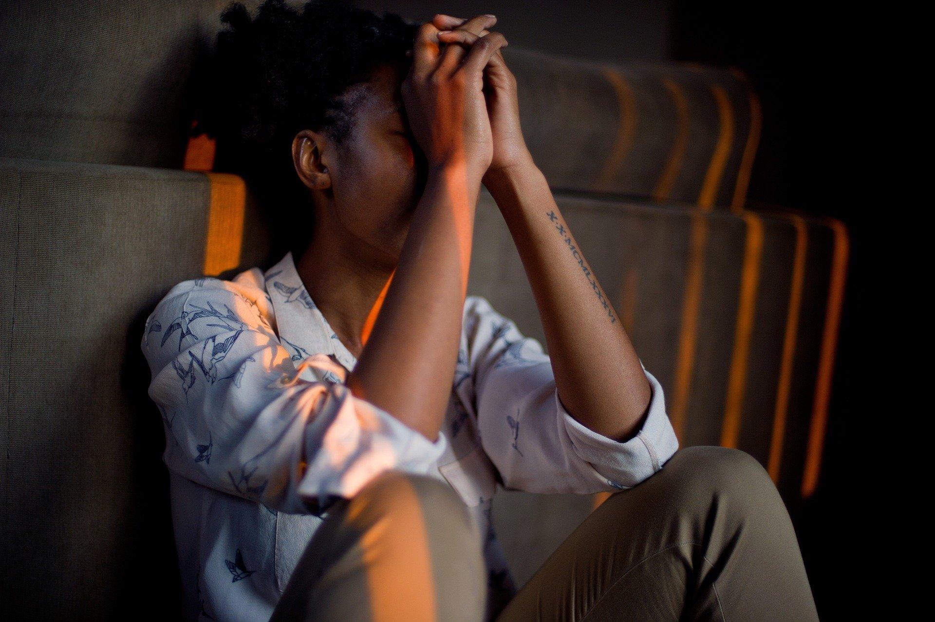 დეპრესიული ქალი