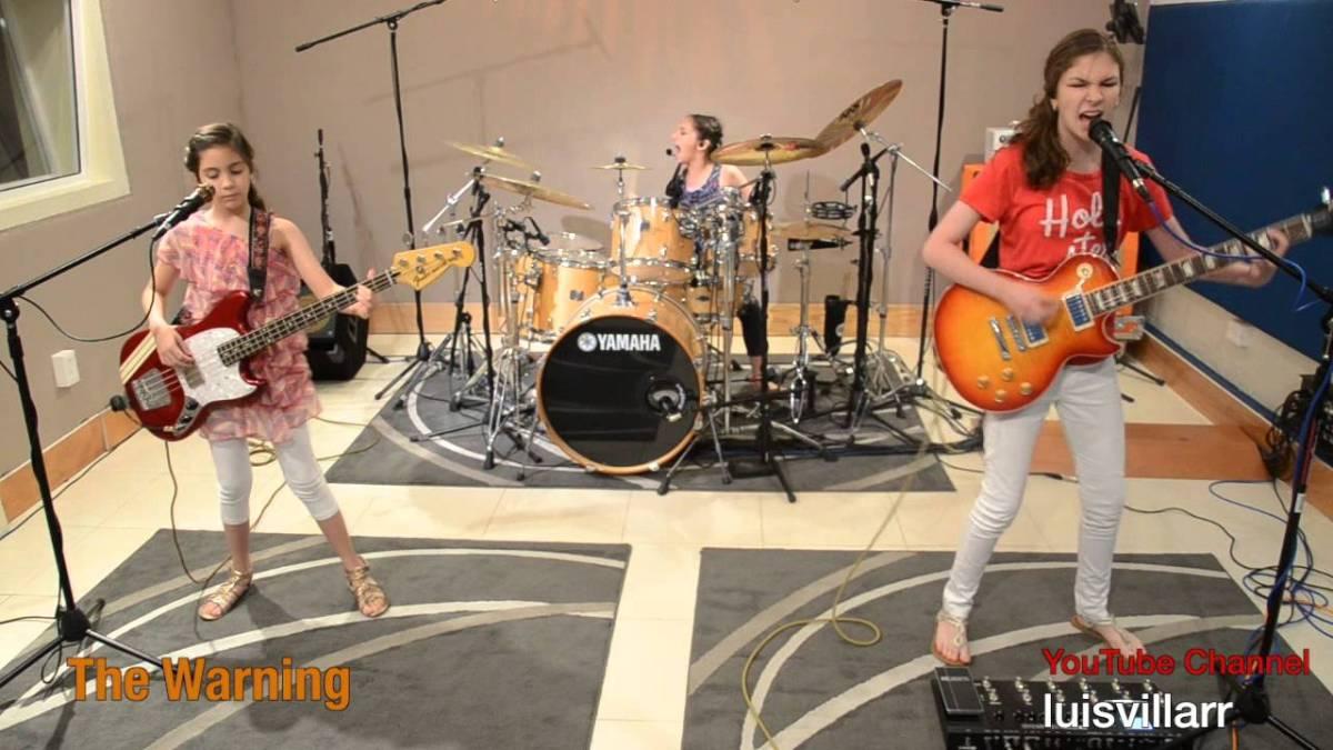 """Diese drei Mädchen rocken mit """"Enter Sandman"""" von Metallica viel härter als ihr…"""