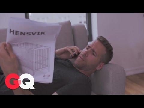 Ryan Reynolds baut eine IKEA-Krippe auf und versagt