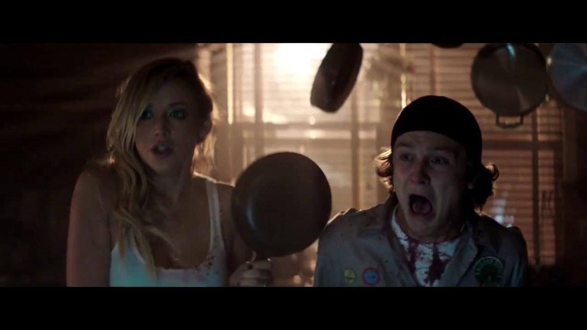 """Im Trailer zu """"Scouts vs. Zombies"""" müssen sich Pfadfinder Zombies erwehren"""