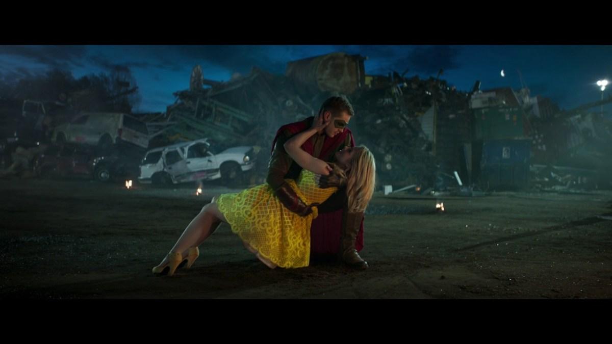 """Im Kurzfilm """"Sidekick"""" vermittelt ein Vater seinem Sohn eine wichtige Lektion mit Superhelden"""