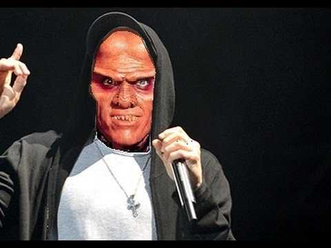 "In ""My Name is Quark"" parodiert unser liebster Ferengi Eminem"