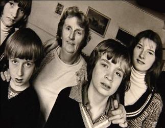 Peggy Hodgson et ses enfants