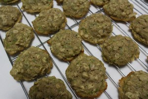This is a delicious recipe for zucchini oatmeal cookies with cream cheese frosting. A great way to get the kids to eat zucchini!
