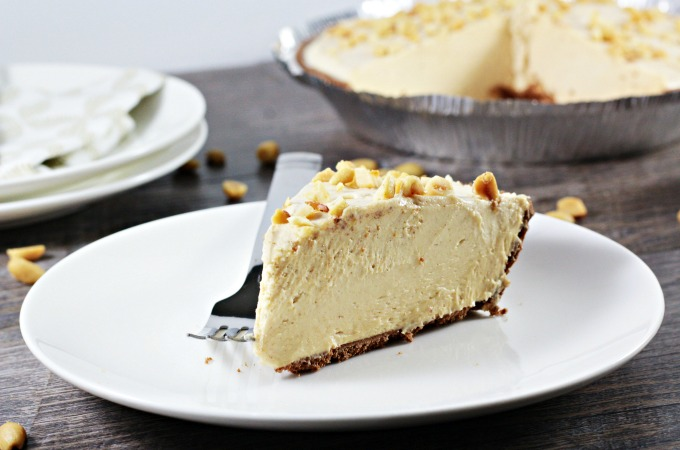 This 6 ingredient no bake Peanut Butter Pie features chocolate crust, Cool Whip, cream cheese, powdered sugar, chopped nuts and of course, peanut butter.