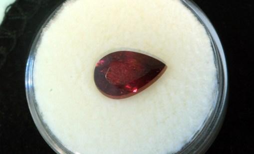 rubelit crveni turmalin