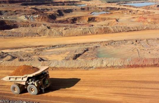 Mineras deberán reordenar explotación para enfrentar debacle en precio del cobre