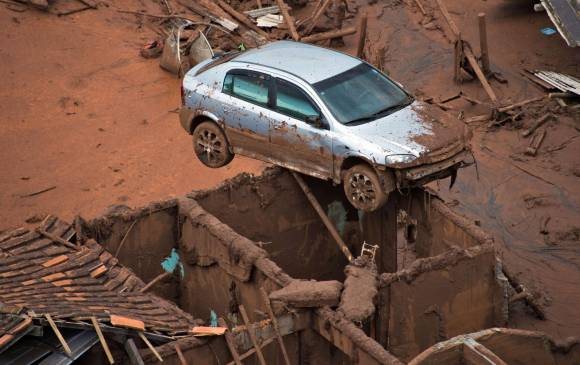 Desastre en Brasil hace temblar a minera responsable